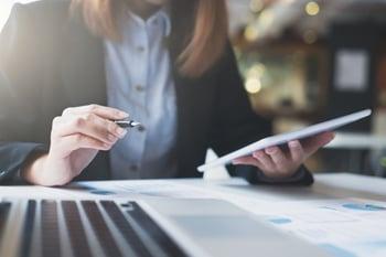 business-startup-works-digital-online-infomation_1421-19
