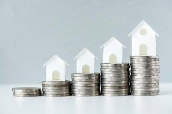 macro-shot-increase-mortgage-rate-concept_53876-14718