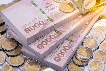 thai-baht-banknotes-coins_102644-43